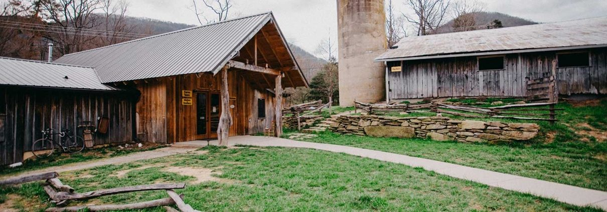 Hickory Nut Gap Farm | Grassfed Meats and Farm Activities